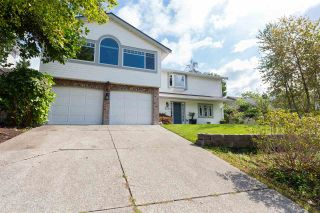 Photo 1: 230 ROCHE POINT DRIVE in North Vancouver: Roche Point House for sale : MLS®# R2437289