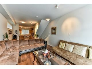 Photo 4: 114 14833 61 Avenue in Surrey: Sullivan Station Townhouse for sale : MLS®# R2001050