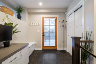 "Photo 3: 2 2435 W 1ST Avenue in Vancouver: Kitsilano Condo for sale in ""FIRST AVENUE MEWS"" (Vancouver West)  : MLS®# R2535166"