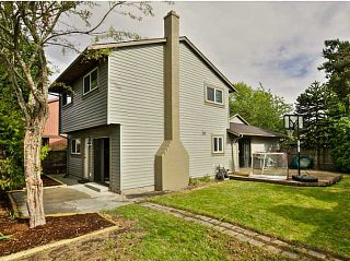 Photo 4: 5011 Hollymount Gate in Richmond: Steveston North Duplex for sale : MLS®# V1072790