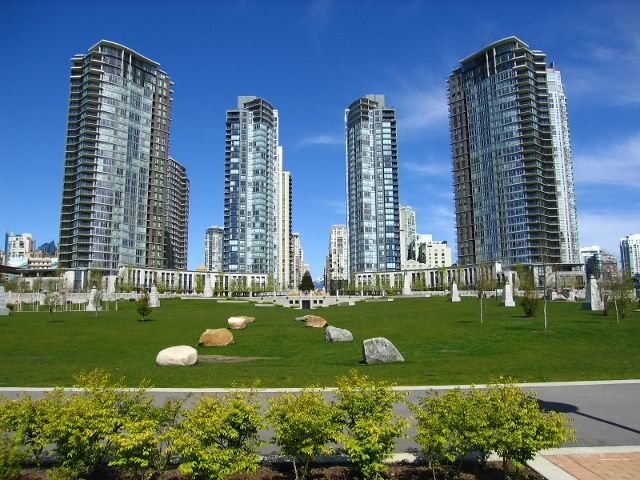 Main Photo: 2805 583 Beach Crescent in Vancouver: Yaletown Condo for rent (Vancouver West)
