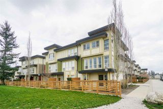 """Photo 3: 71 19477 72A Avenue in Surrey: Clayton Townhouse for sale in """"Sun at 72"""" (Cloverdale)  : MLS®# R2558879"""