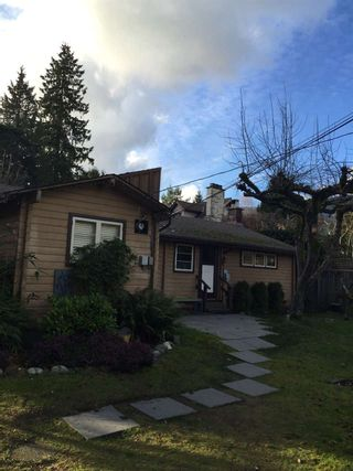 """Photo 2: 931 22ND Street in West Vancouver: Dundarave House for sale in """"DUNDARAVE"""" : MLS®# R2035466"""