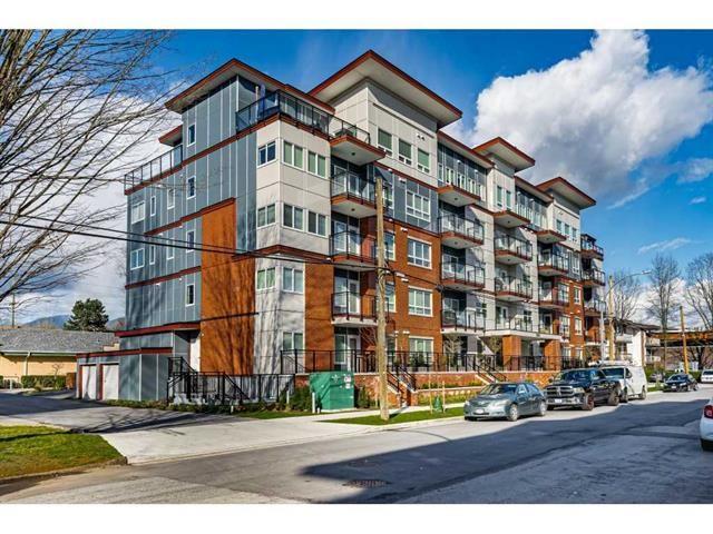 Main Photo: 207 2229 Atkins Avenue in Port Coquitlam: Central Pt Coquitlam Condo for sale : MLS®# R2555707