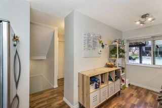 Photo 12: 208 CARDIFF WAY in Port Moody: College Park PM Townhouse for sale : MLS®# R2264319