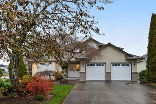"""Photo 1: 18617 60A Avenue in Surrey: Cloverdale BC House for sale in """"Eaglecrest"""" (Cloverdale)  : MLS®# R2324863"""