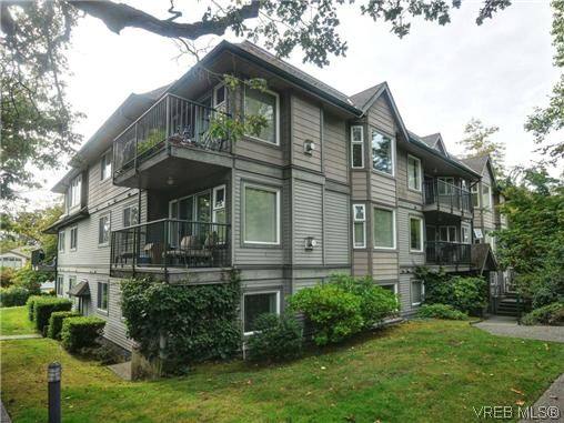 Main Photo: 306 971 McKenzie Ave in VICTORIA: SE Quadra Condo for sale (Saanich East)  : MLS®# 696676
