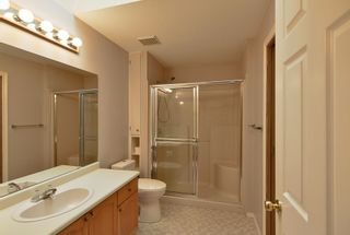 """Photo 11: 7 824 NORTH Road in Gibsons: Gibsons & Area Townhouse for sale in """"Twin Oaks"""" (Sunshine Coast)  : MLS®# R2607864"""