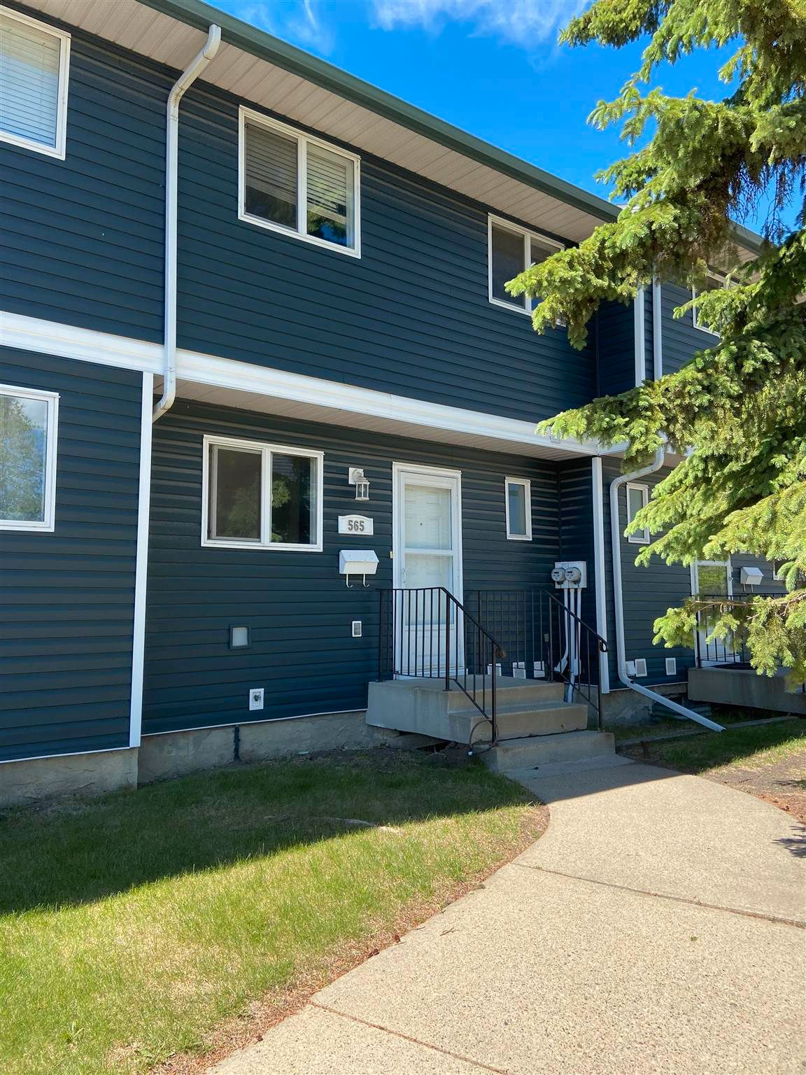 Main Photo: 565 DUNLUCE Road in Edmonton: Zone 27 Townhouse for sale : MLS®# E4248896