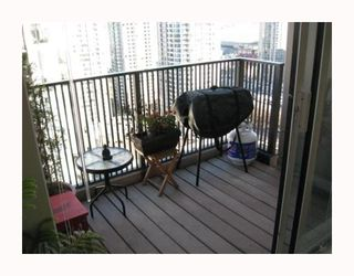 "Photo 18: 2304 1055 HOMER Street in Vancouver: Downtown VW Condo for sale in ""DOMUS"" (Vancouver West)  : MLS®# V798814"