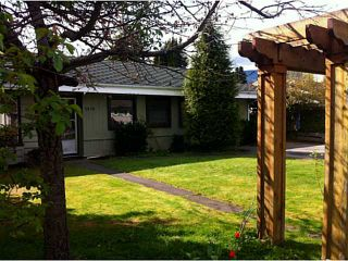 Photo 1: 1319 OAKWOOD Crescent in North Vancouver: Norgate House for sale : MLS®# V1060808