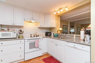 Photo 10: 15 1498 Admirals Rd in VICTORIA: VR Glentana Manufactured Home for sale (View Royal)  : MLS®# 775106