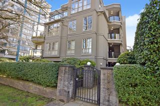 "Photo 1: 402 4688 W 10TH Avenue in Vancouver: Point Grey Condo for sale in ""WEST TENTH COURT"" (Vancouver West)  : MLS®# R2556561"