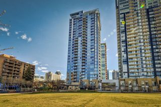 Photo 2: 1804 215 13 Avenue SW in Calgary: Beltline Apartment for sale : MLS®# A1101186