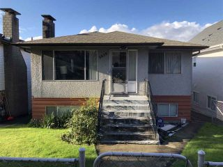 Photo 1: 2839 E 20TH AVENUE in Vancouver: Renfrew Heights House for sale (Vancouver East)  : MLS®# R2366651