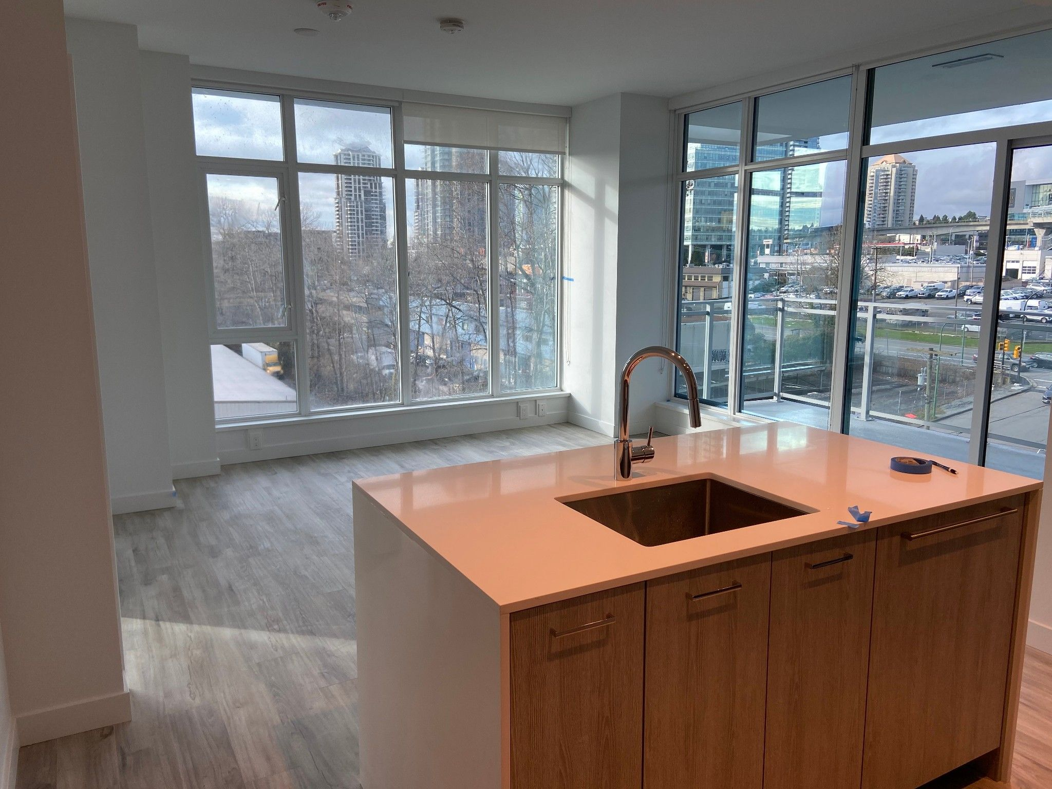 Main Photo: 705 2288 Alpha Avenue in Burnaby: Condo for rent (Burnaby North)