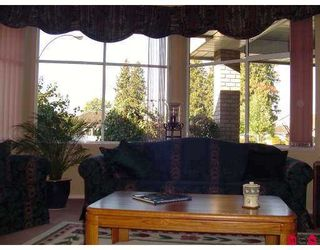 """Photo 6: 4830 209A Street in Langley: Langley City House for sale in """"NEWLANDS"""" : MLS®# F2618287"""