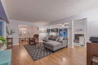 Photo 2: 12248 248 STREET in Maple Ridge: Websters Corners House for sale : MLS®# R2341969