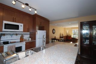 "Photo 4: 176 JAMES Road in Port Moody: Port Moody Centre Townhouse for sale in ""Tall Trees Estate"" : MLS®# R2246456"
