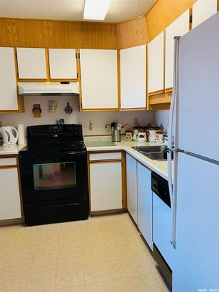 Photo 2: 305 1002 108th Street in North Battleford: Paciwin Residential for sale : MLS®# SK859427