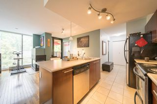 """Photo 6: 311 2525 BLENHEIM Street in Vancouver: Kitsilano Condo for sale in """"THE MACK"""" (Vancouver West)  : MLS®# R2608391"""