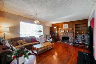 """Photo 2: 4072 202A Street in Langley: Brookswood Langley House for sale in """"Brookswood"""" : MLS®# R2379406"""