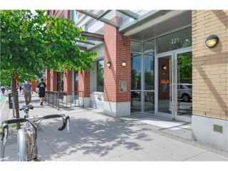 "Photo 2: 217 221 UNION Street in Vancouver: Mount Pleasant VE Condo for sale in ""V6A"" (Vancouver East)  : MLS®# V1073041"
