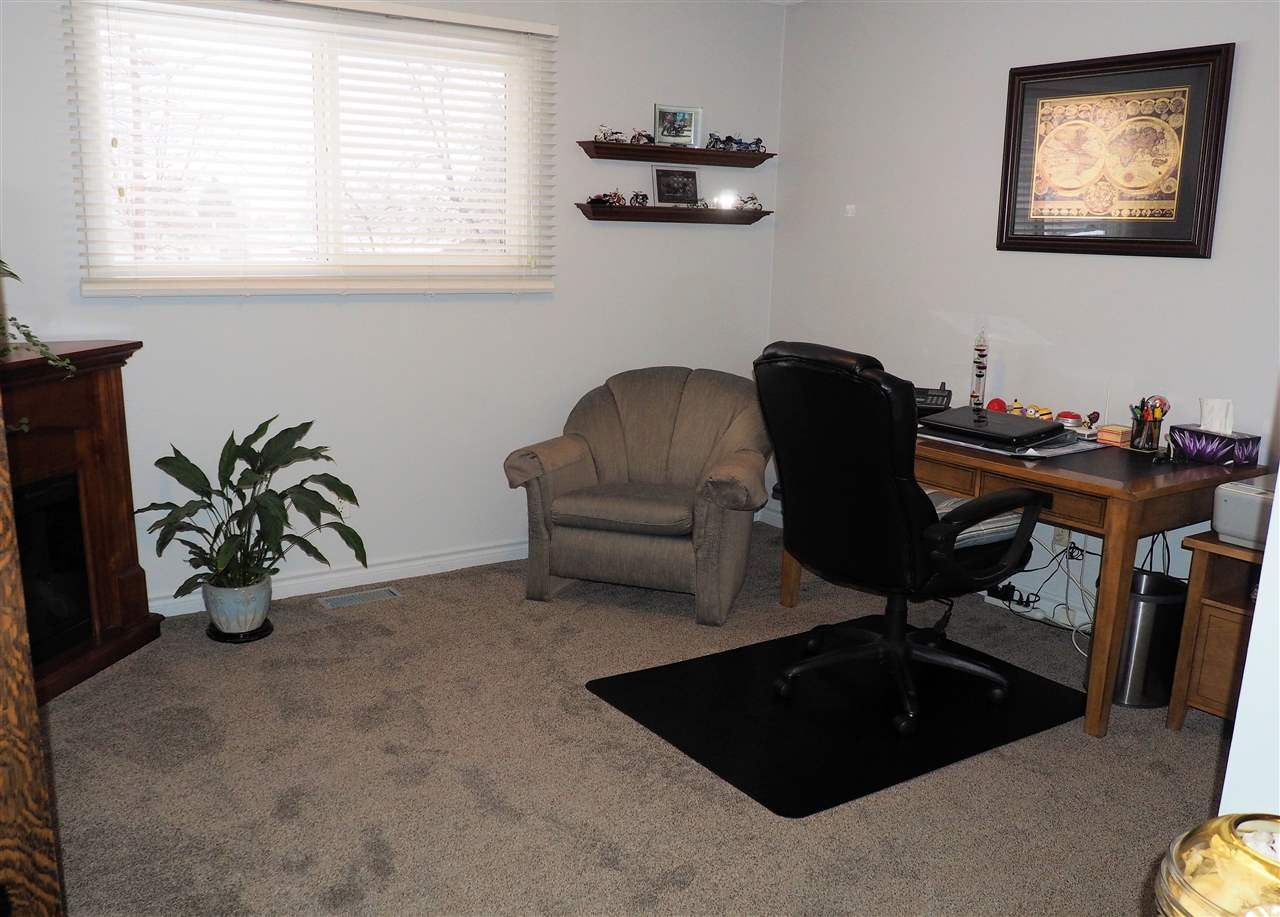 Photo 9: Photos: 4645 ROBSON Avenue in Prince George: Foothills House for sale (PG City West (Zone 71))  : MLS®# R2143048