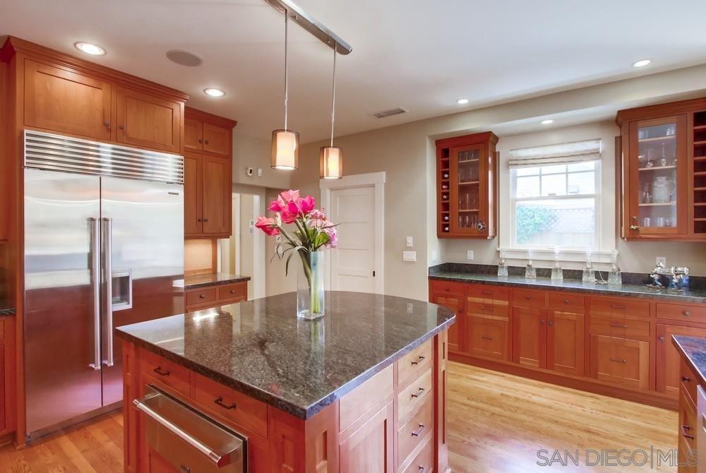 Photo 11: Photos: CORONADO VILLAGE House for sale : 3 bedrooms : 738 B Avenue in Coronado