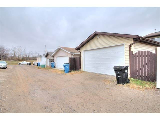 Photo 23: Photos: 108 SHAWGLEN Road SW in Calgary: Shawnessy House for sale : MLS®# C4038520