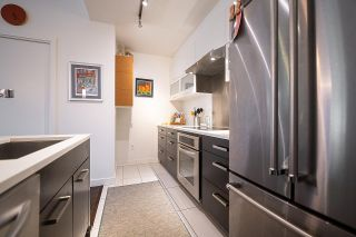 """Photo 12: 182 E 17TH Avenue in Vancouver: Main Townhouse for sale in """"3333 MAIN"""" (Vancouver East)  : MLS®# R2590115"""