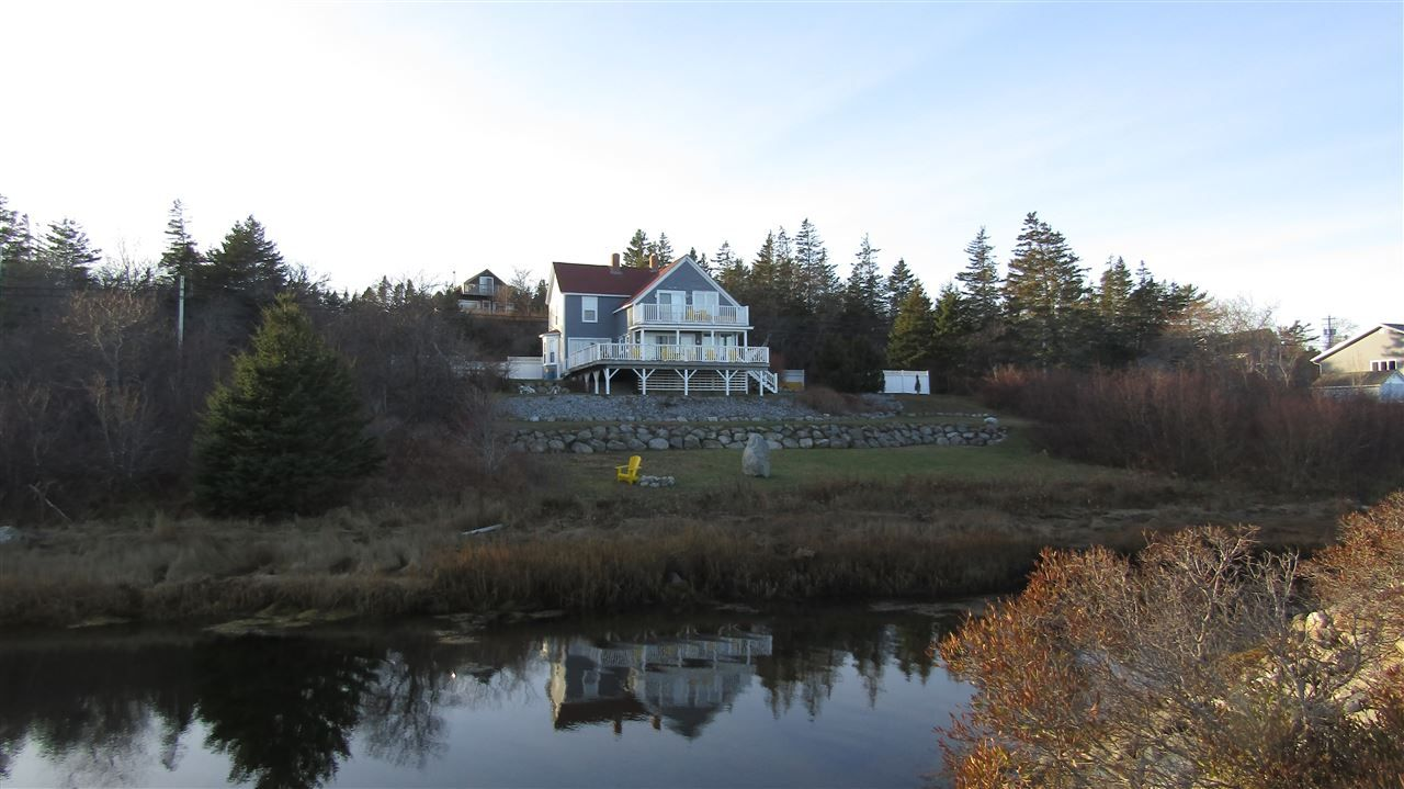 Main Photo: 220 Brighton Road in Lockeport: 407-Shelburne County Residential for sale (South Shore)  : MLS®# 202105910