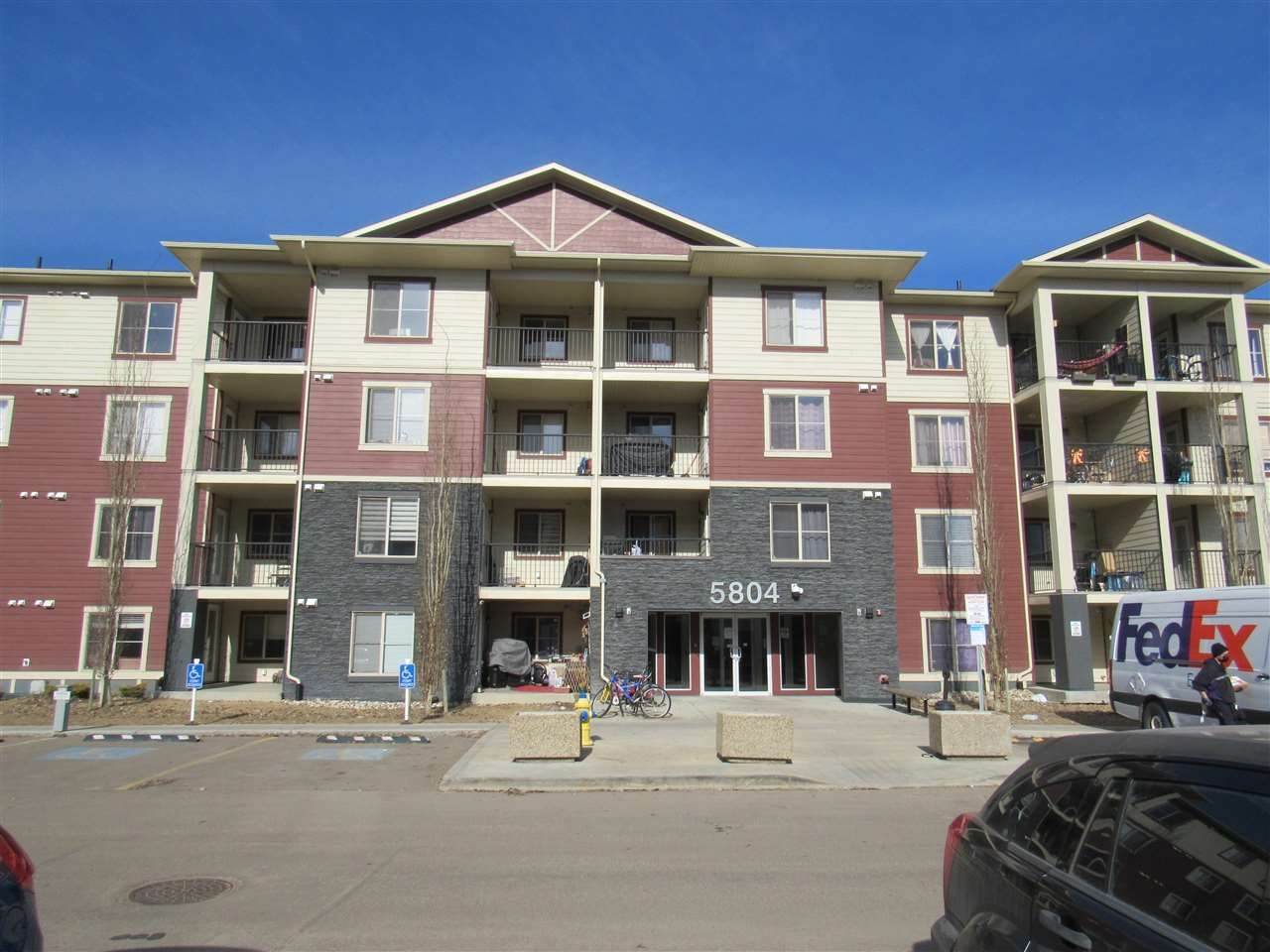 Main Photo: 213 5804 MULLEN Place in Edmonton: Zone 14 Condo for sale : MLS®# E4222798