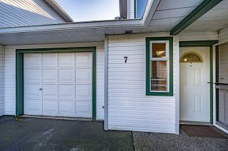 Photo 3: 7 19060 119 AVENUE in Pitt Meadows: Central Meadows Townhouse for sale : MLS®# R2533407