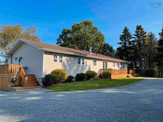 Photo 2: 61 Douglas Road in Alma: 108-Rural Pictou County Residential for sale (Northern Region)  : MLS®# 202125836