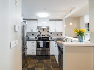 """Photo 7: 9 1015 LYNN VALLEY Road in North Vancouver: Lynn Valley Townhouse for sale in """"RIVER ROCK"""" : MLS®# R2549966"""