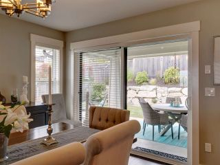 """Photo 18: 5533 PEREGRINE Crescent in Sechelt: Sechelt District House for sale in """"Silverstone Heights"""" (Sunshine Coast)  : MLS®# R2397737"""