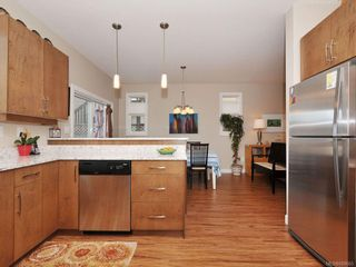Photo 7: 1042 Whitney Crt in Langford: La Happy Valley House for sale : MLS®# 688665