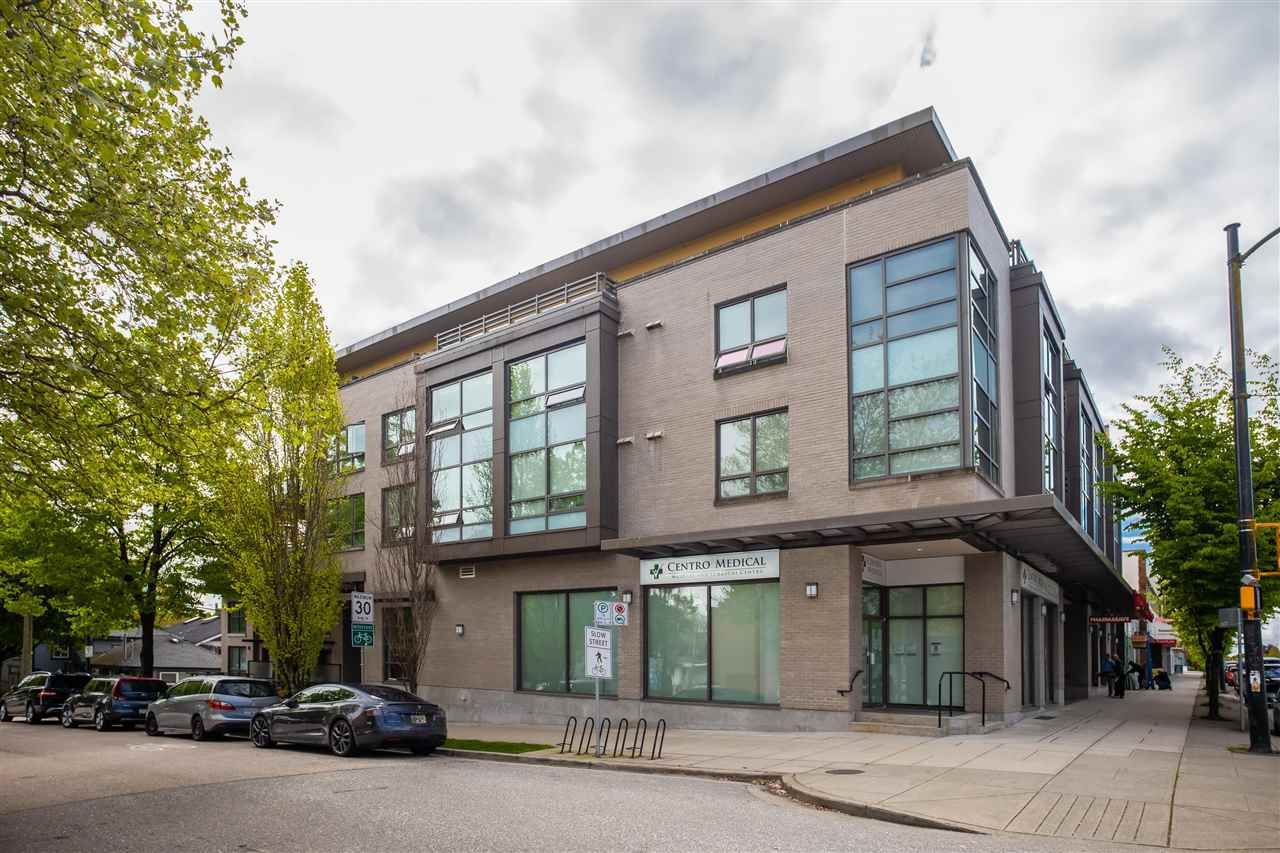 "Main Photo: 307 222 E 30TH Avenue in Vancouver: Main Condo for sale in ""THE RILEY"" (Vancouver East)  : MLS®# R2588279"