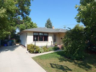 Photo 1: 3 Wakefield Bay in Winnipeg: House for sale : MLS®# 1824195