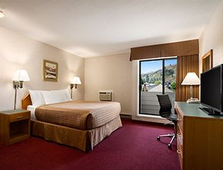 Photo 8: Hotel/Motel with property in Vernon in Vernon: Business with Property for sale