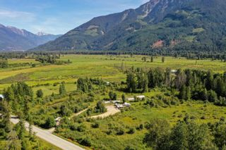 Photo 21: 2162 HIGHWAY 99 in Pemberton: Mount Currie House for sale : MLS®# R2614470