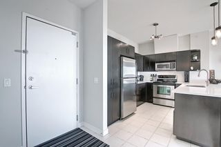 Photo 4: 302 69 Springborough Court SW in Calgary: Springbank Hill Apartment for sale : MLS®# A1085302