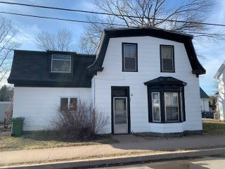 Photo 1: 409 Pleasant Street in New Glasgow: 106-New Glasgow, Stellarton Multi-Family for sale (Northern Region)  : MLS®# 202105821