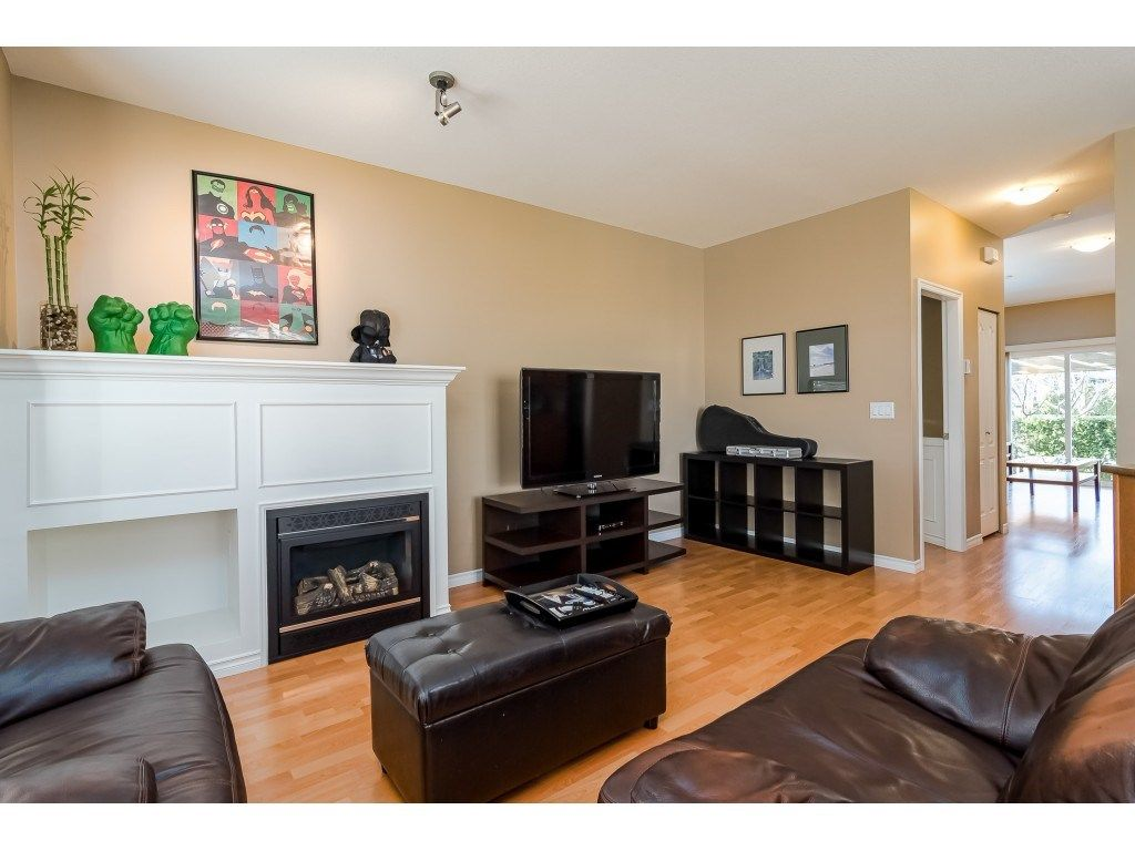 """Photo 6: Photos: 5 6588 188 Street in Surrey: Cloverdale BC Townhouse for sale in """"HILLCREST PLACE"""" (Cloverdale)  : MLS®# R2532394"""