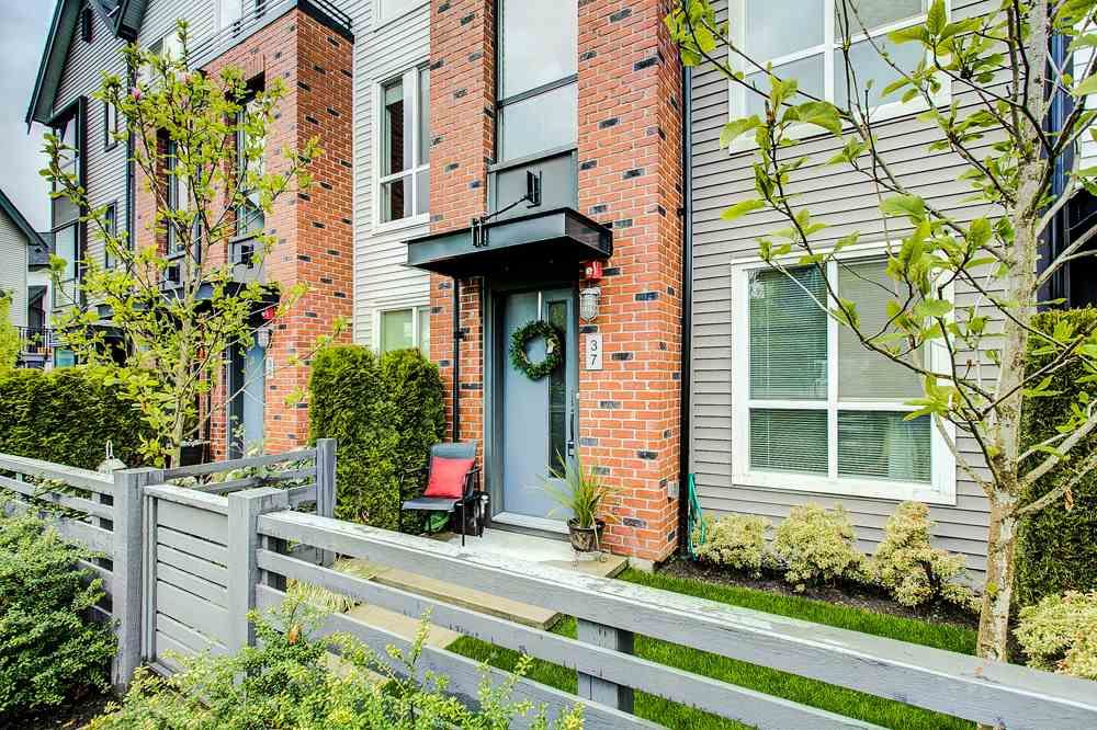"""Main Photo: 37 2325 RANGER Lane in Port Coquitlam: Riverwood Townhouse for sale in """"Freemont Blue"""" : MLS®# R2271071"""