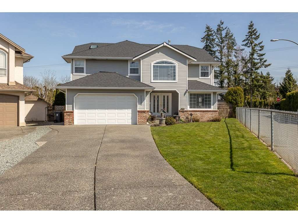 Main Photo: 21553 49B Avenue in Langley: Murrayville House for sale : MLS®# R2559490