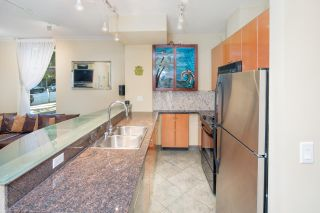 """Photo 8: 105 928 RICHARDS Street in Vancouver: Yaletown Townhouse for sale in """"SAVOY"""" (Vancouver West)  : MLS®# R2188687"""