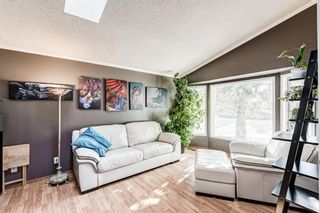 Photo 4: 51 Millrise Way SW in Calgary: Millrise Detached for sale : MLS®# A1126137