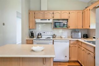 """Photo 14: 109 19649 53 Avenue in Langley: Langley City Townhouse for sale in """"Huntsfield Green"""" : MLS®# R2591188"""